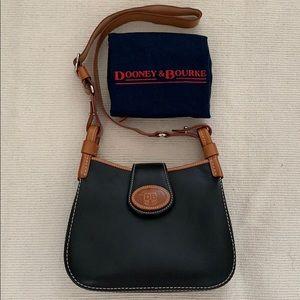 NWOT Dooney & Bourke Shoulder Leather Bag